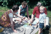 DAVID, GRETA, ELSIE & SYD AT HIDCOTE