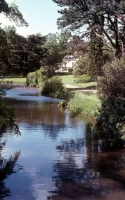 MOULTON GRANGE & LAKE