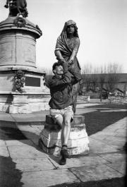 Lady Macbeth statue