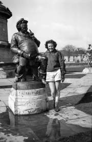 Falstaff statue
