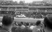 Ferrari GT pit stop - #20 Ferrari 250 GT Berlinetta (Lino Fayen and Gino Munaron)