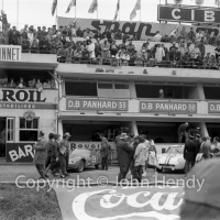 General view of the pits before the race, in front of the Panhard pits