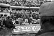 General view before the start, with #9 Maserati Tipo 63 (Ludovico Scarfiotti and Nino Vaccarella)