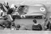 Aston Martin pit stop, looks terminal #4 Aston Martin DBR1/300 (Roy Salvadori and Tony Maggs)