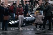 Formula 1 - #14 Cooper-Climax T60 (Bruce McLaren) in the pits