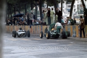 Formula 1 - #4 Porsche 804  (Dan Gurney) and #20 Lotus-Climax 24 (Trevor Taylor), damaged at the start