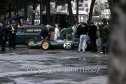 Formula 1 - #20 Lotus-Climax 24 (Trevor Taylor) in the pits