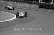 #34 Lotus-Climax 24 (Innes Ireland) and #44 Porsche 718 (Carel Godin de Beaufort)