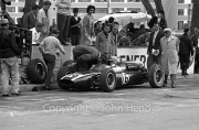 Formula 1 - #16 Cooper-Climax T55 (Tony Maggs) in the pits