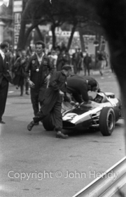 Formula 1 - #14 Cooper-Climax T14 (Bruce McLaren) after winning