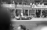 Pits - #72 Ferrari Dino 196 SP (Bandini / Baghetti)