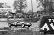 Formula Junior - #21 Lotus 22 - Ford/Cosworth (Peter Arundell)