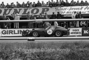 Sportscars - #31 Ferrari 250 GTO 3589GT MO75723 (Mike Parkes) in the pits