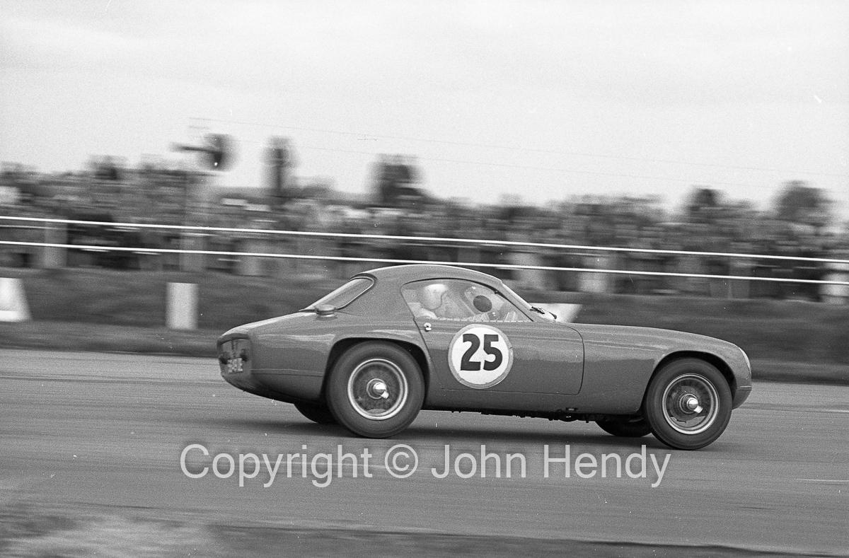 GT Cars   #25 Lotus Elite 1216cc (D.Hobbs)