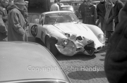 GT cars - #40 Ferrari 250 GTO (Mike Parkes), crash damaged