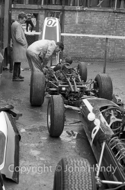 Formula 1 - #9 Cooper T73 Climax (Bruce McLaren) and #10 Cooper T66 Climax (Phil Hill)