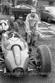 Smoking mechanic with F3 cars