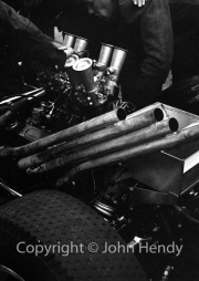 V8 engine