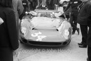 Sports car - #34 Lola T70 Mk1 (David Hobbs)