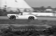 Sports car - #32 Lola T70 Mk2 (Denny Hulme)