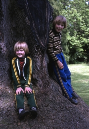 Simon and David at the Delapre tree