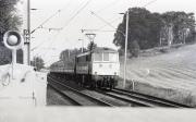 Train at Banbury Lane Crossing
