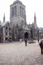 Locronan square