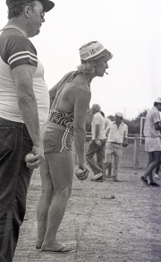 Female petanque player, with cigarette