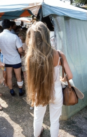 Benodet Market - woman with very long hair