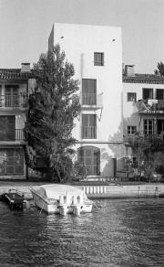 Joan Collins' house