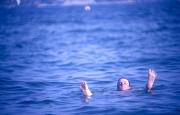 Simon in the sea
