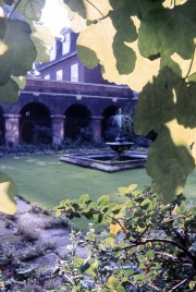 Little cloister at Westminster Abbey