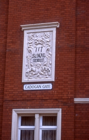 Plaque in Sloane Street