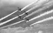 Red Arrows passing