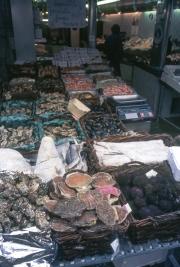 Rue Mouffetard shellfish stall