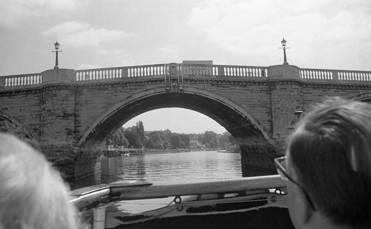 Thames bridge