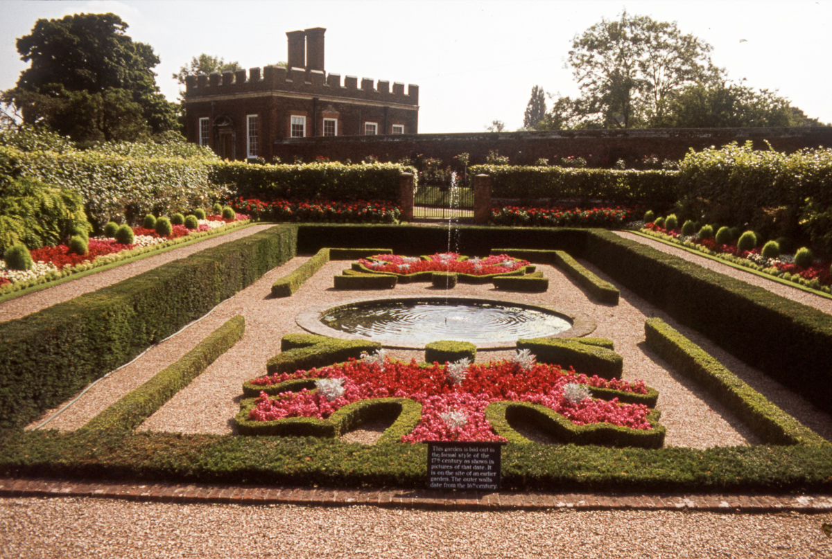 Formal Garden and fountain